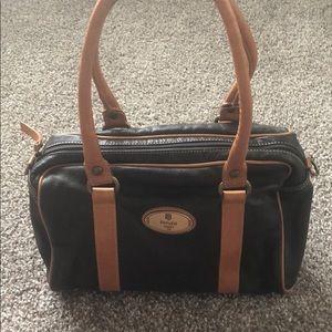 a2e03eb119f3 Peruzzi Firenze Bags - Peruzzi Firenze Italian Leather Purse with Strap